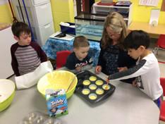 Making Hibernation cupcakes