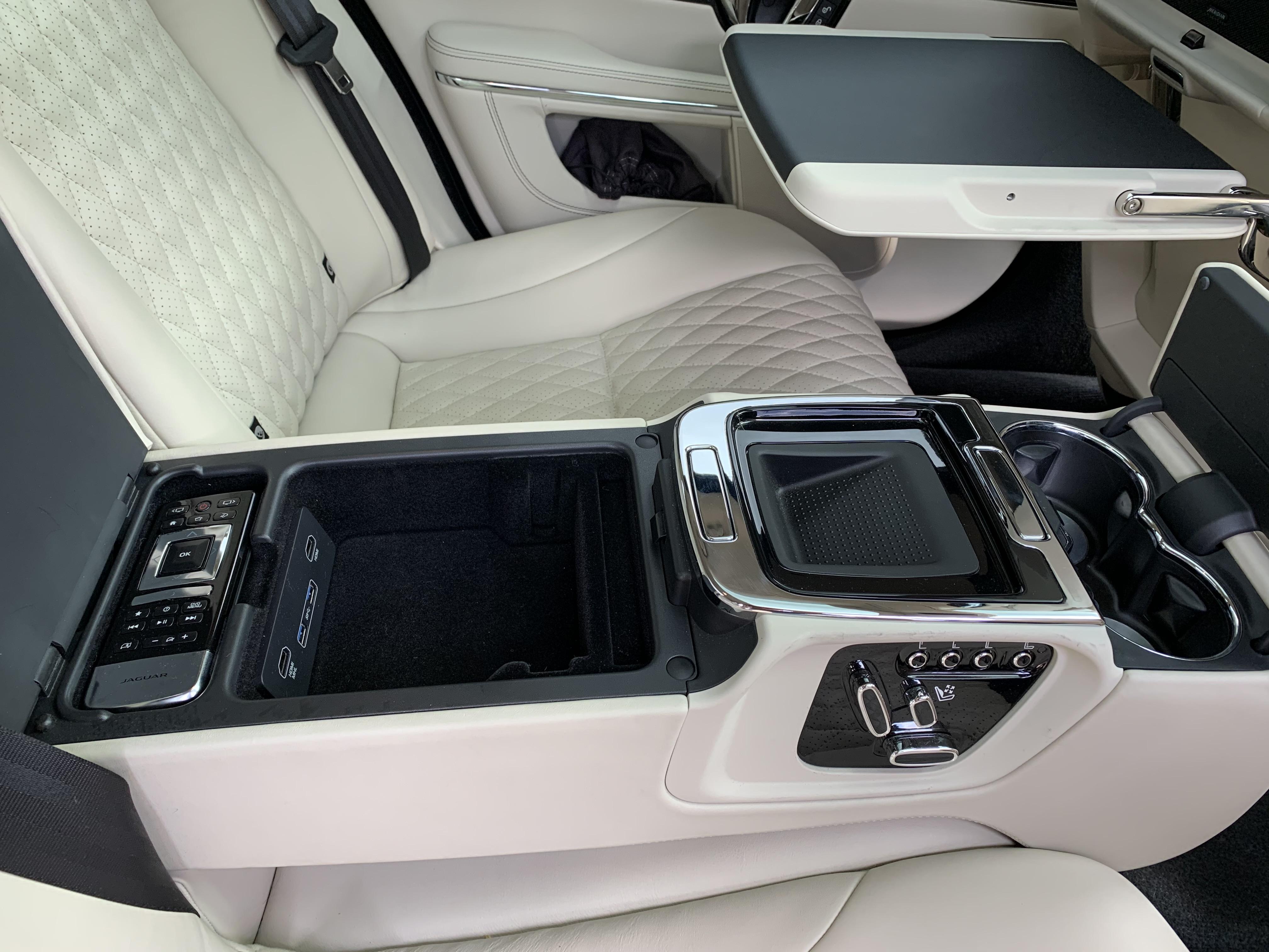 Jaguar XJ L 058