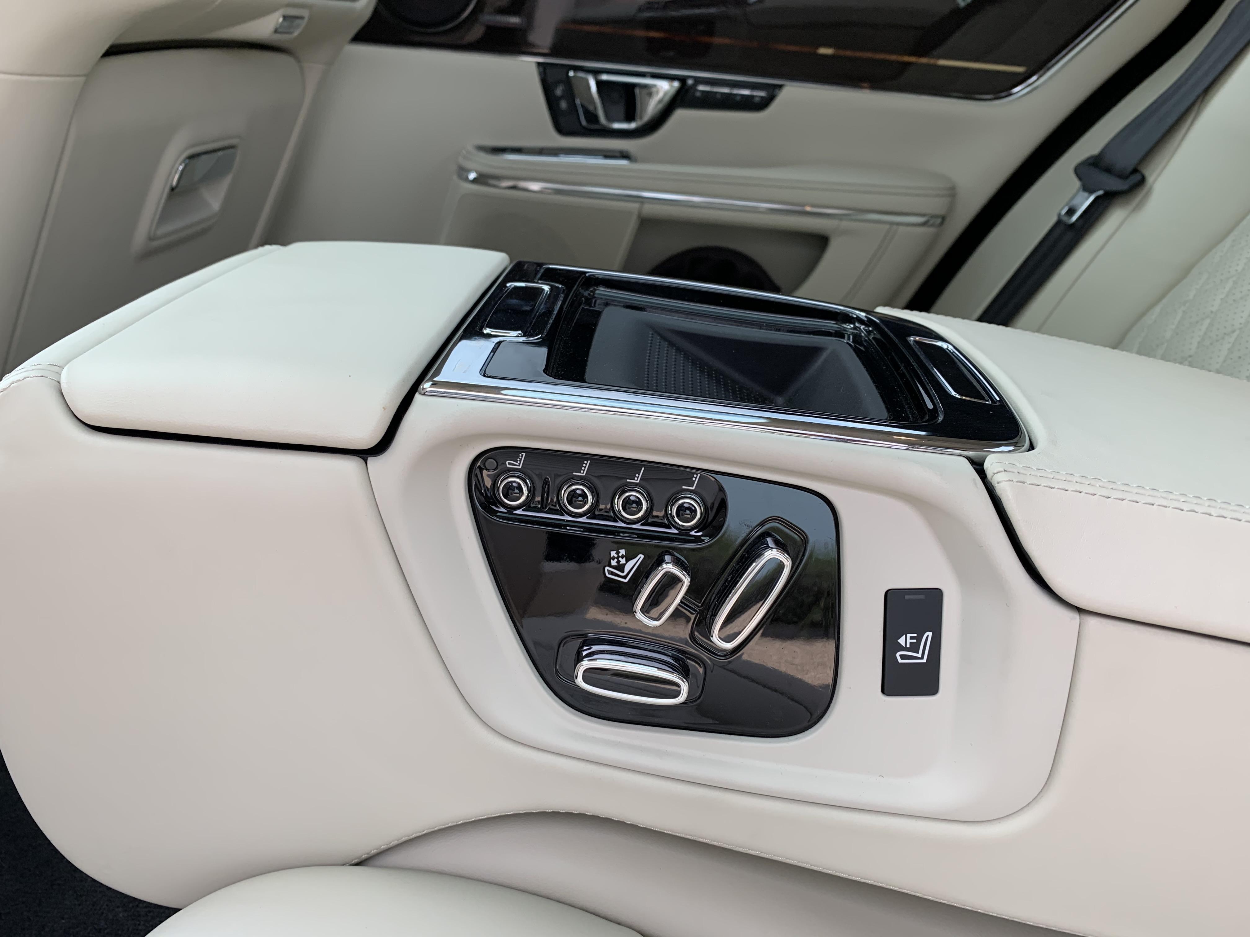 Jaguar XJ L 091