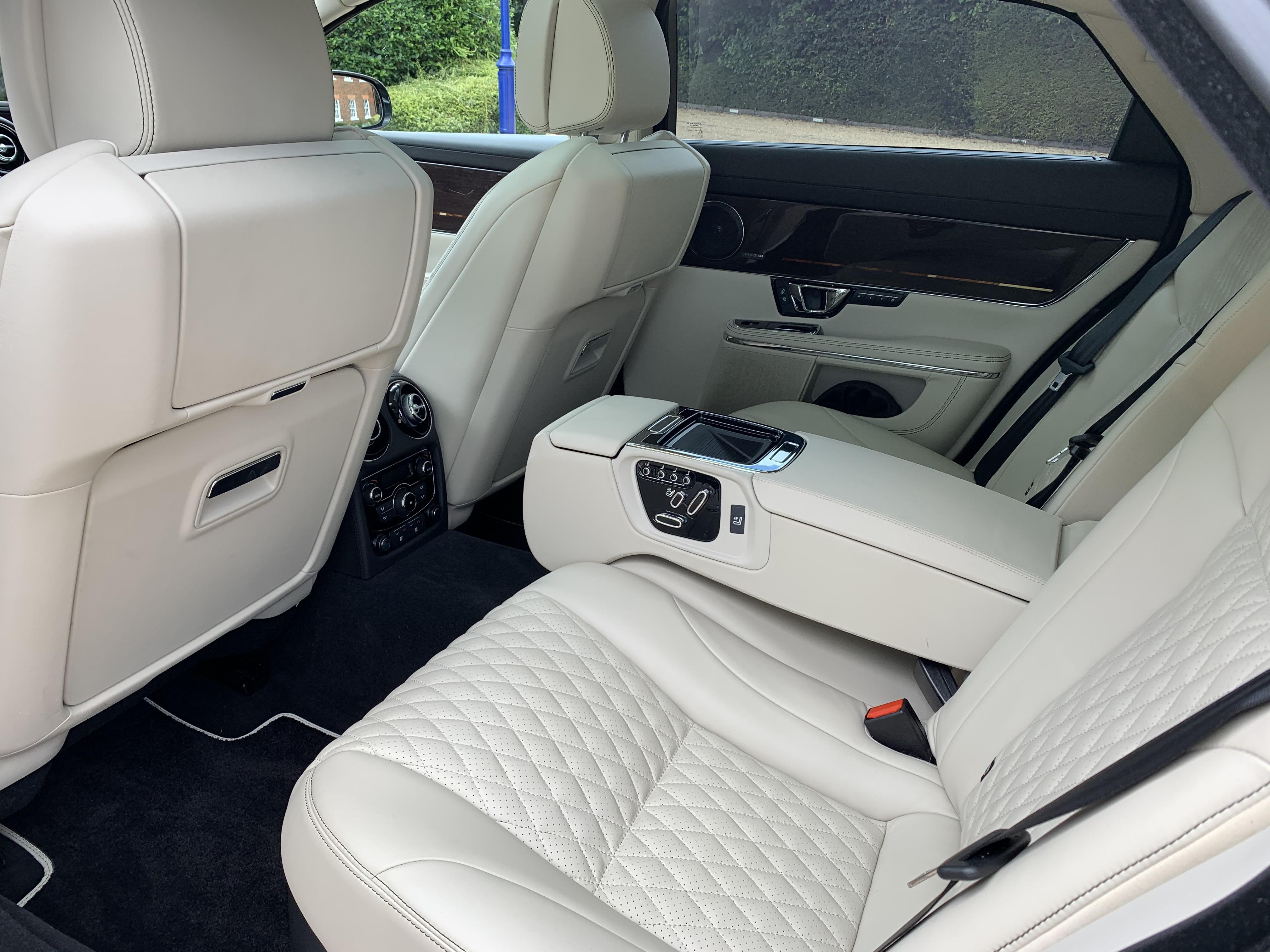 Jaguar XJ L 048