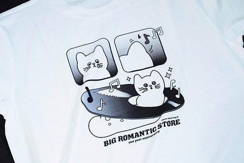Aeemi x BIG ROMANTIC STORE - meow meow bug Tee