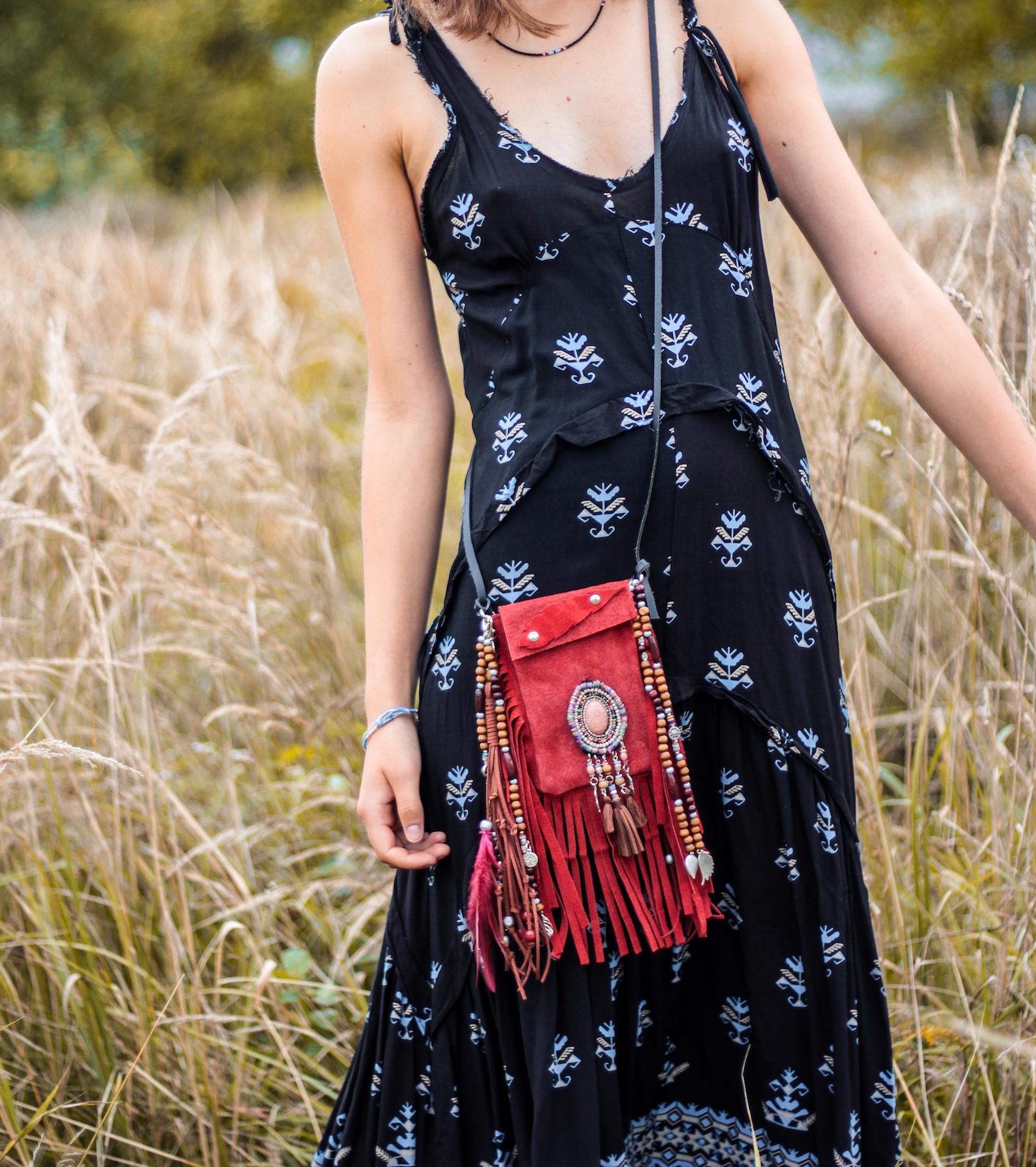 red phone bag, iphone bag fringed, beaded phone bag, tribal phone bag
