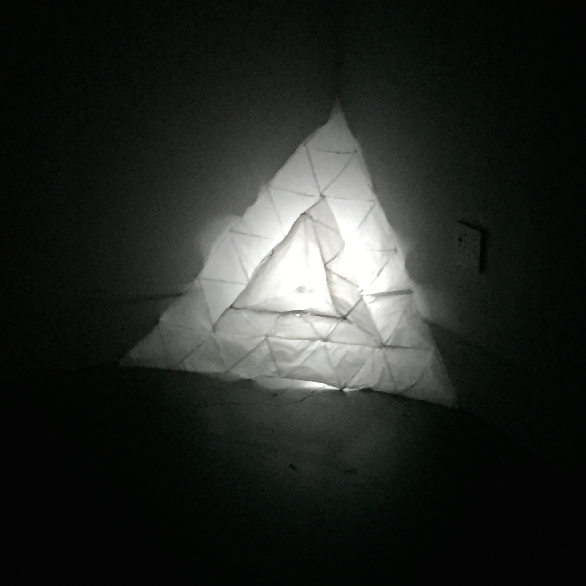 Triangle glow light