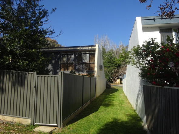 Holder Townhouses Photo 3