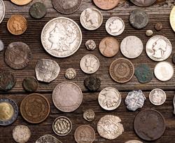 metal-detector-finds-coins