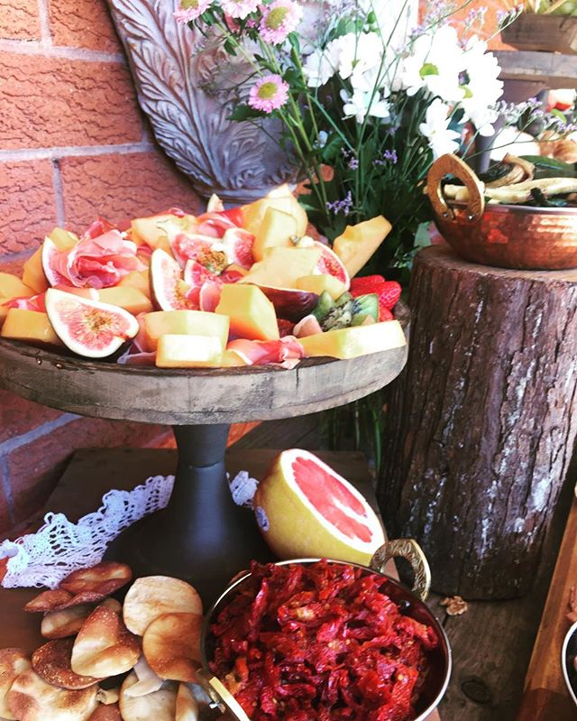 Loving this look today for a beautiful bridal shower #formaggio #bridetobe #antipasto #grazingtable