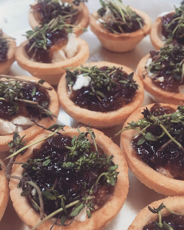 Caramelised onion and goats cheese tart #paneantipasti #sydneycatering #grazingtable #antipasti #foo