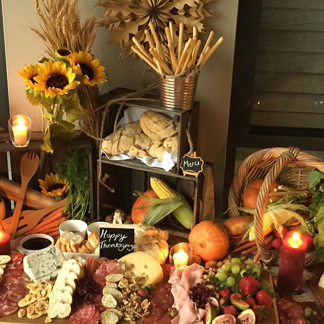 Thank you _sandracarniato for allowing me to create this colourful thanksgiving grazing table for Sa