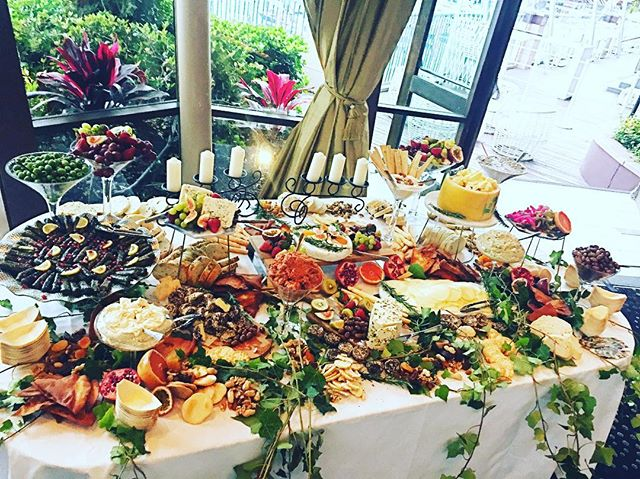 Throwback to this amazing mezze table at the breathtaking _l'aqua at cockle bay for a beautiful coup