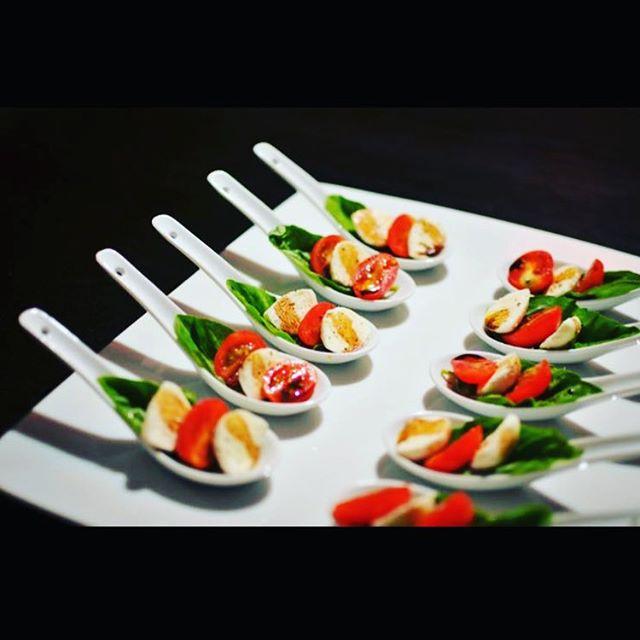 Caprese salad #paneantipasti _paneantipasti #capresesalad #foodporn
