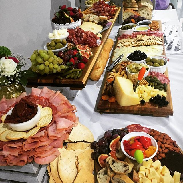 #styling #antipastoboards #grazingtable #grazingtable #antipastoqueen #charcuterie #babyshower #anti