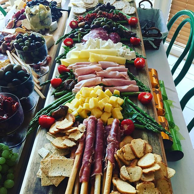 #sydneycatering  #christmasparty #antipastoboard #cheeseandwine #antipasto #christmas #capresesalad