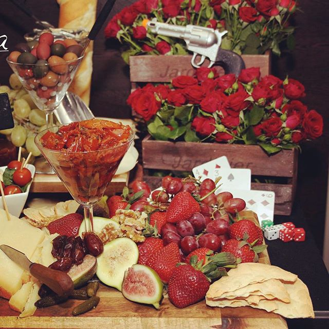 #foodlover #sydneycatering #charcuterie #birthdayparty #entertaining #antipasto #paneantipasti