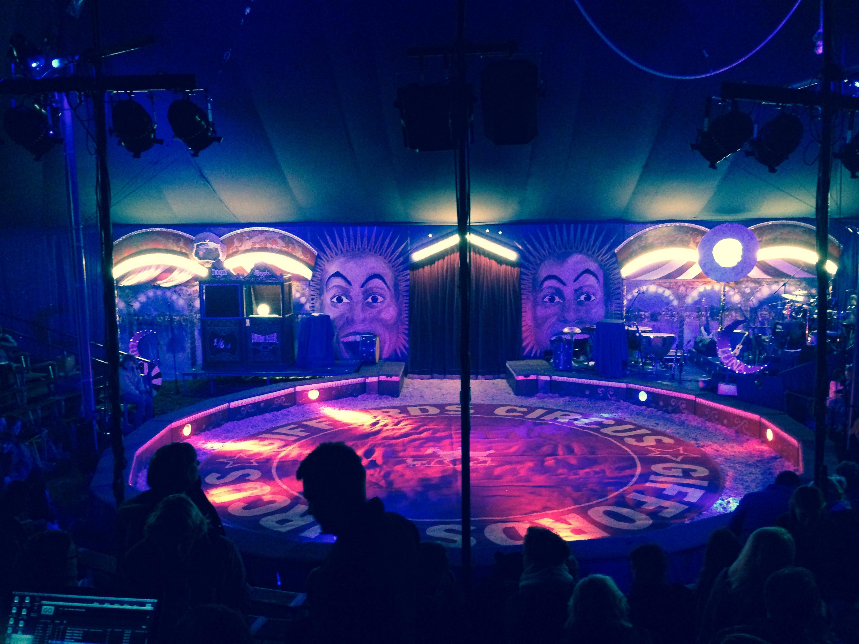 Giffords Circus, Moonsongs