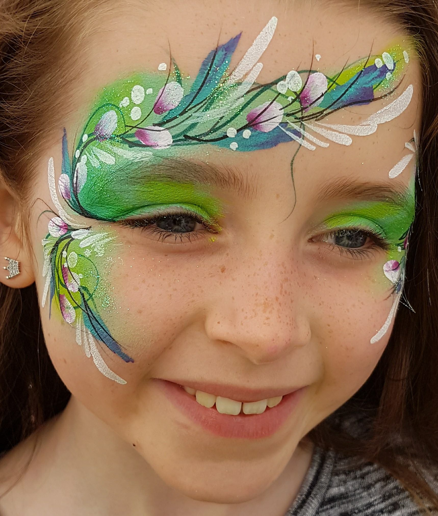 Pretty face paint