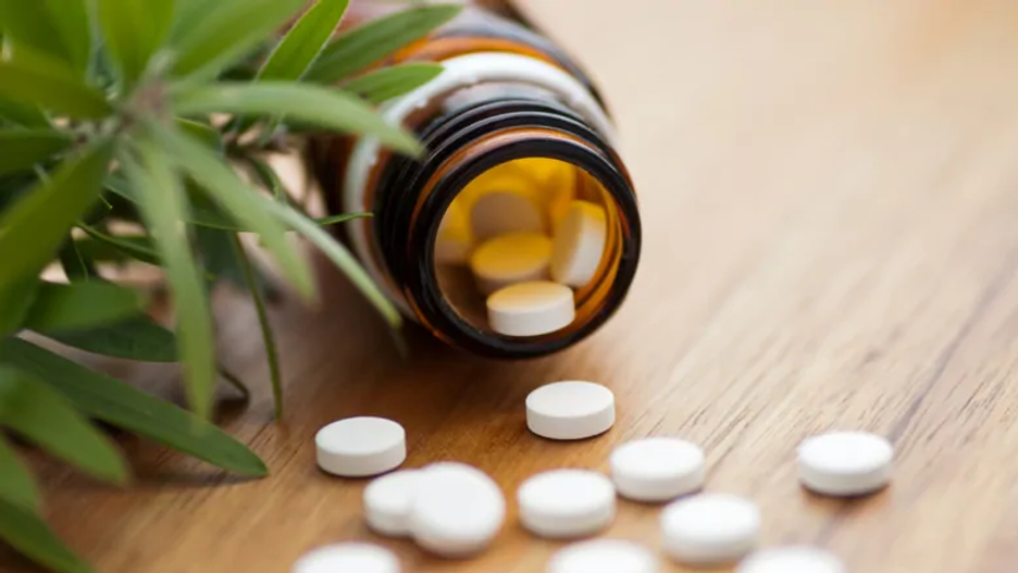homeopathy-bottle-pills.webp