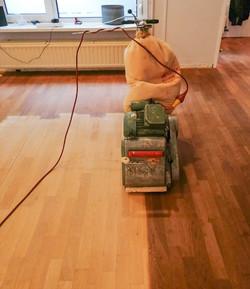 Vloer gerenoveerd door Parketvloerenhuis BV