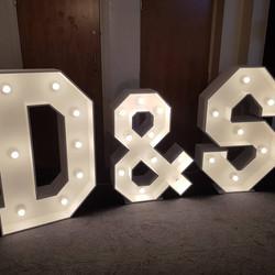 4ft light up D & S