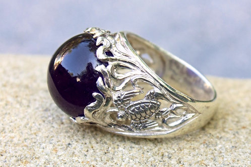 Sea Life Turtle Ring With 12-Carat Amethyst Cabochon