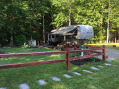 Seasonal Campsite with fifth wheel