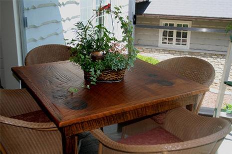 4 - Messer Ocassional Table (3).jpg