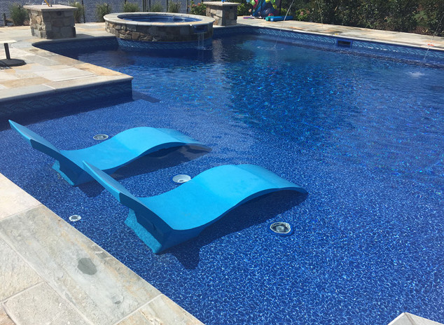 vinyl pool with tanning ledge