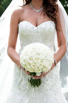tj designer weddings, bridal bouquet, handtied,cream roses, essex flowers, wedding flowers, billericay, pontlands park, coverit weddings,flowers forever and ever, flowers forever