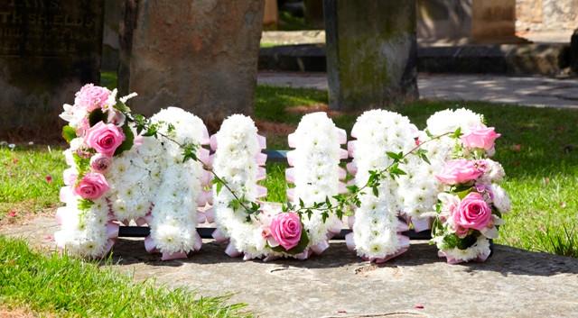 Tributes  MUM