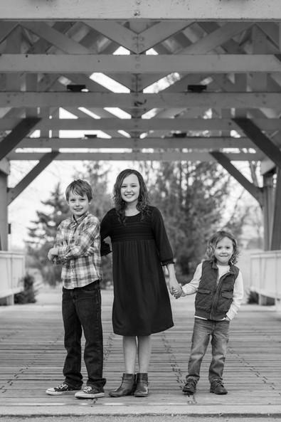 Autumn family portrait by Artisanal JPEG Factory