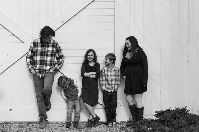 B&W candid family photo