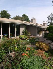ranchhousegarden1a.jpg
