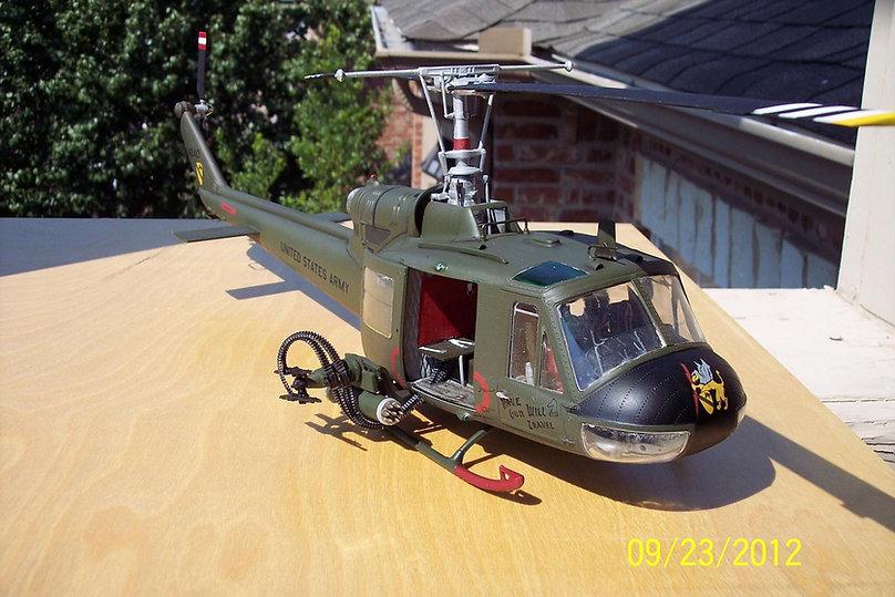 UH-1C-1-24.jpg