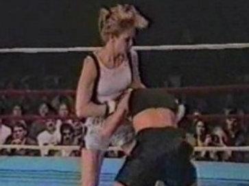 Jeanne Hunter vs Luraina Undershute