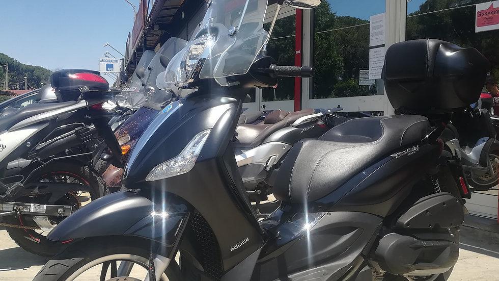 Piaggio Beverly 350_ABS _2018 Police _Km 23.000 Garanzia Inclusa !