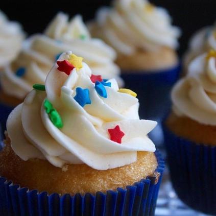 Starry Cupcakes.jpg