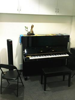upright piano room hire sydney CBD