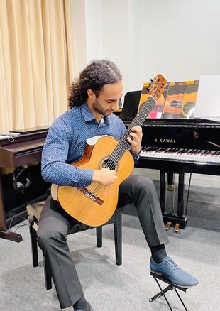 Master Piano Institute Guitar Lesson