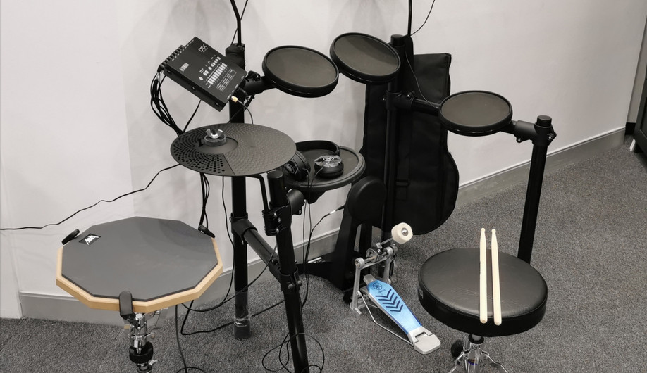 digital drum kit available for practice