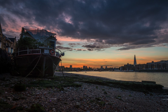 Lovely sunset last night down on the Thames foreshore