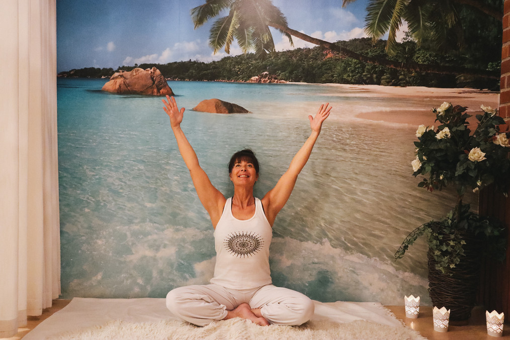 Susan_Yoga.jpg