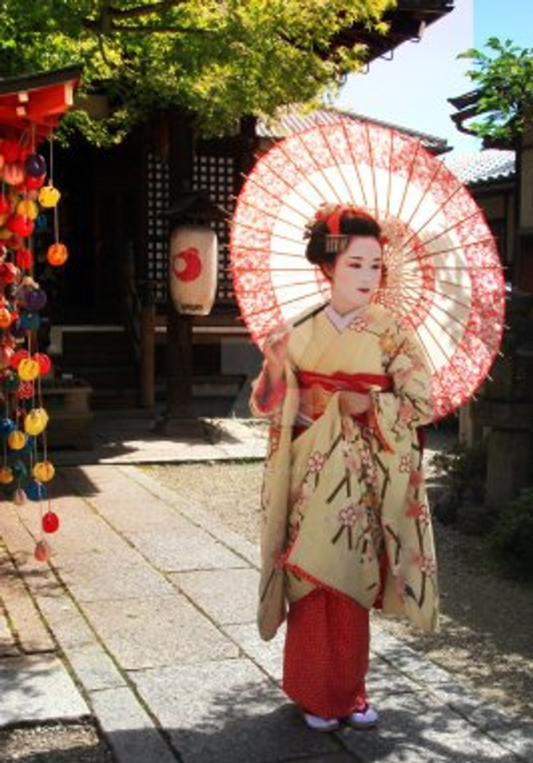gion_geisha_district_by_last_trace-d2x5afm