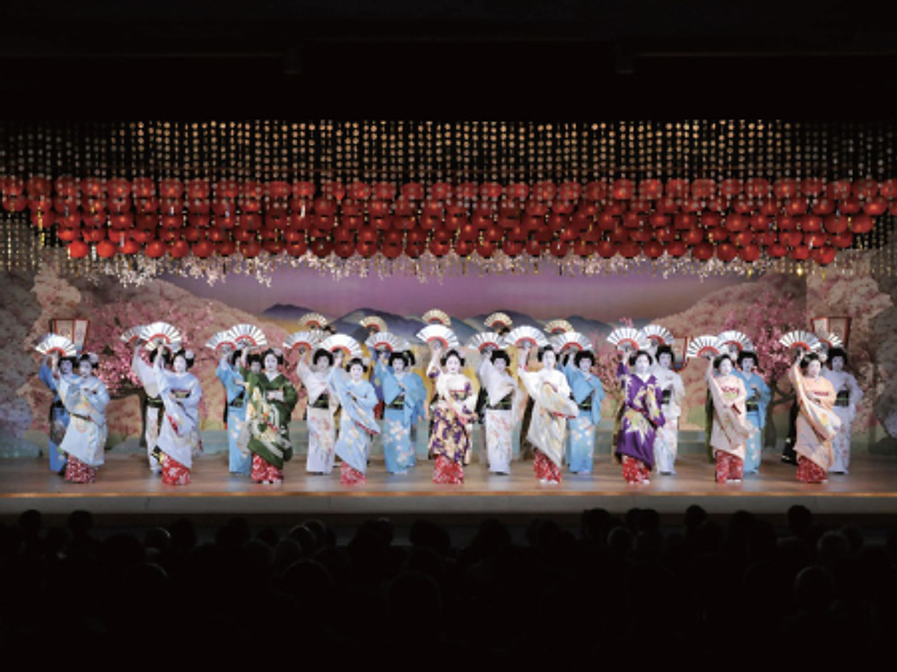The-66th-Kyo-Odori-at-Miyagawacho-Kaburenjo-Theatre
