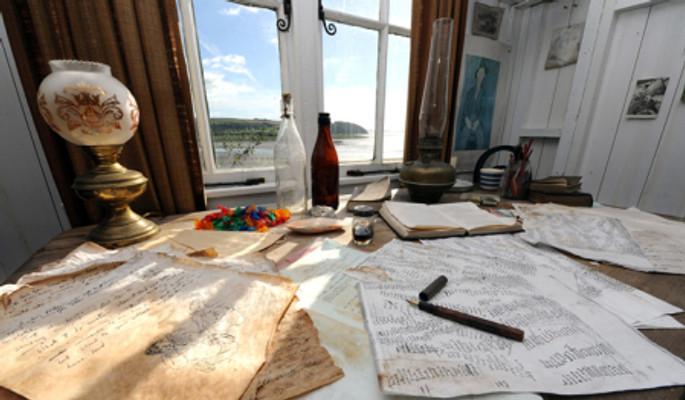 writingshed-desk