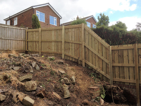 Uneven Garden = Tricky Fencing Build.....No Problem