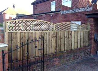 A premium fencing look achieved with trellis!