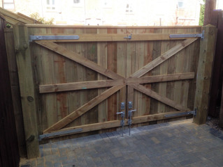 Pro Fencers available in Newcastle now - transform you garden now!