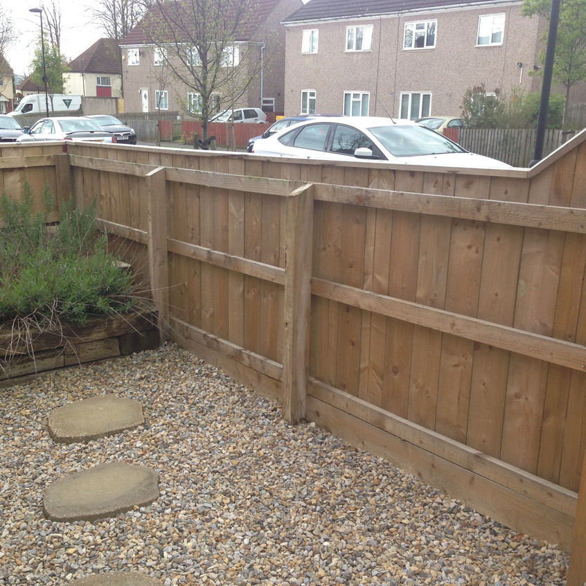 Small Garden Fence with Capping