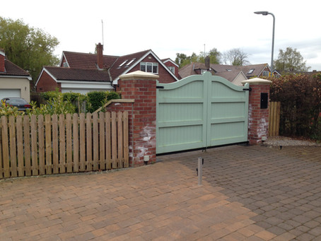 Looking for a local fencer in Newcastle upon Tyne? We offer a range of professional garden fencing s