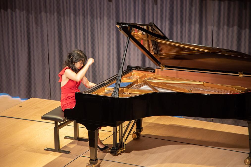 Claire Huangci, Greifensee 200911. Bild