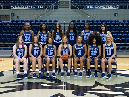 """""""We have extremely high expectations"""": Women's Basketball Team Preview"""